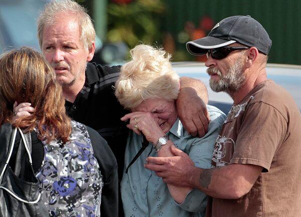 Родственники горняков, заблокированных после взрыва на шахте на острове Южный в Новой Зеландии
