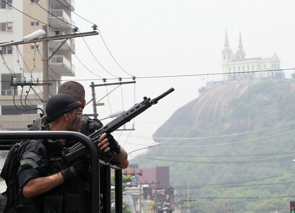 Полицейская операция в трущобах Рио-де-Жанейро