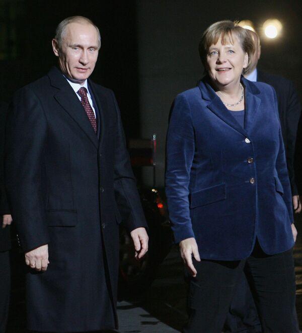 Премьер-министр РФ Владимир Путин встретился с Ангелой Меркель