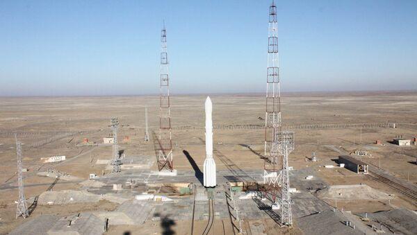 Ракета-носитель Протон-М с разгонным блоком ДМ-3 и тремя космическими аппаратами Глонасс-М