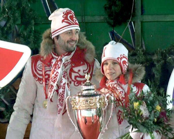 Звезды кино и шоу-бизнеса сыграли в керлинг на Красной площади