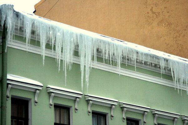 Снег в Петербурге