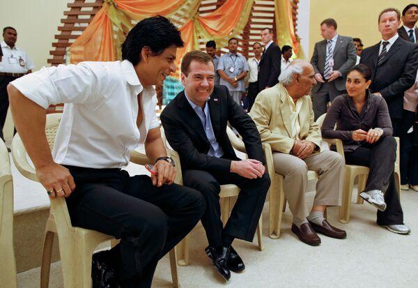 Президент РФ Д.Медведев посетил комплекс киностудий Болливуд