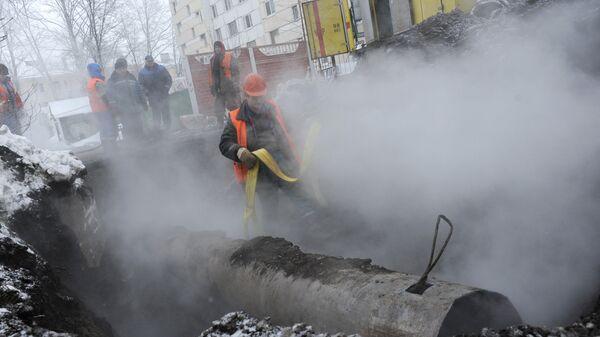 Прорыв трубы отопления в Кировском районе Санкт-Петербурга