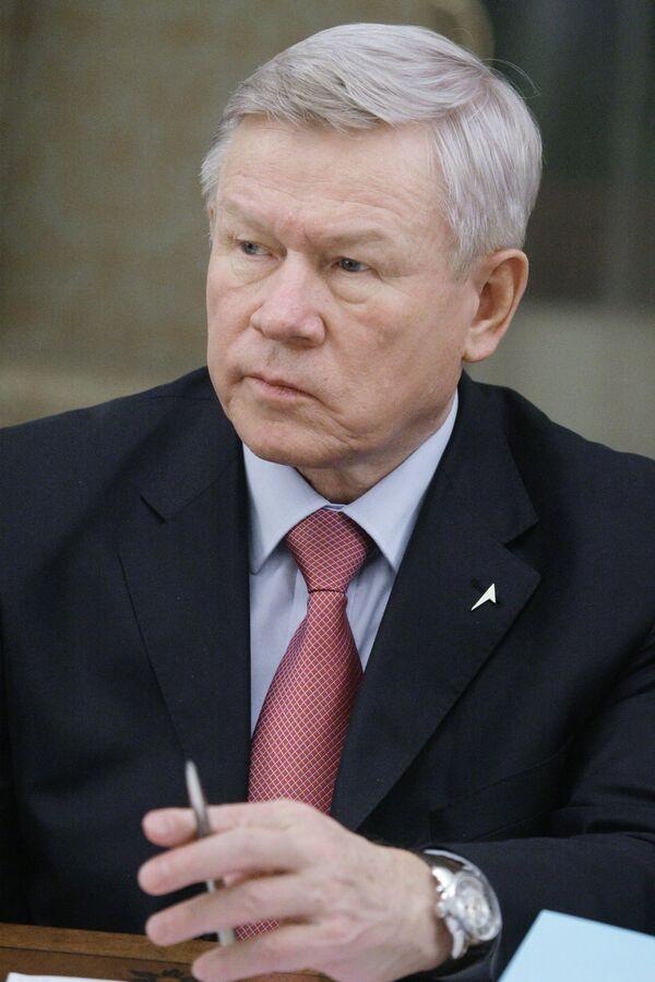 Руководитель Федерального космического агентства России Анатолий Перминов. Архив