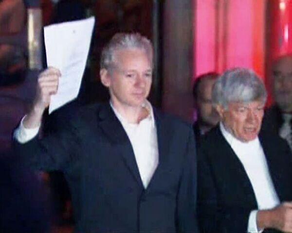 Слушания об экстрадиции Ассанжа в Швецию начинаются в британском суде