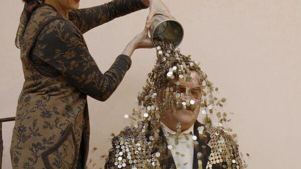 Пенсионер Юрий Бабин собрал огромное количество 1-копеечных монет
