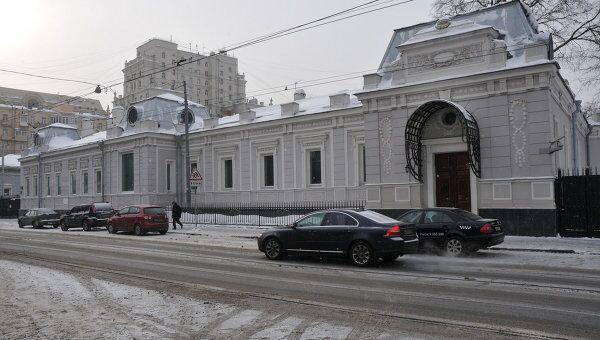 Здание галереи Триумф, где прошел обыск