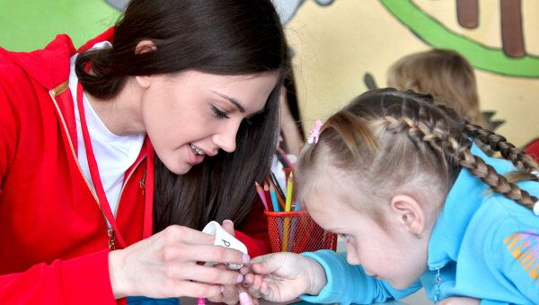 Участницы конкурса Мисс Россия посетили центр им. А.Н. Бакулева