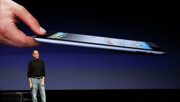 Стив Джобс представил iPad 2