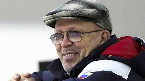 Николай Великов