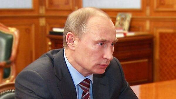 Путин потребовал избавить рынок ГСМ в России от спекуляций и сговоров