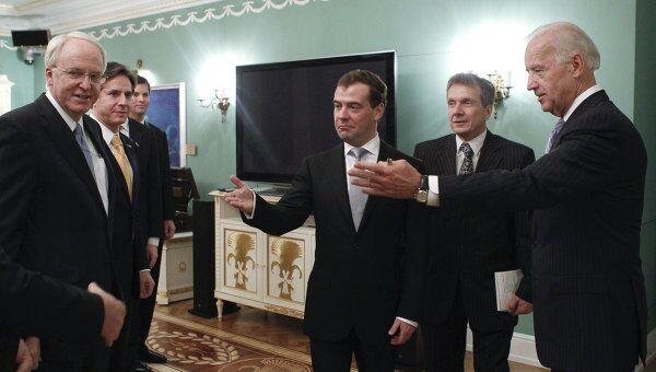 Президент РФ Д.Медведев и вице-президент США Д.Байден встретились в Горках