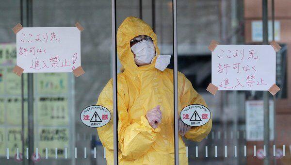 Зона проверки на радиацию жителей, эвакуированных из окрестностей АЭС Фукусима