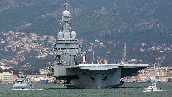 Флагман французского флота, авианосец Charles De Gaulle