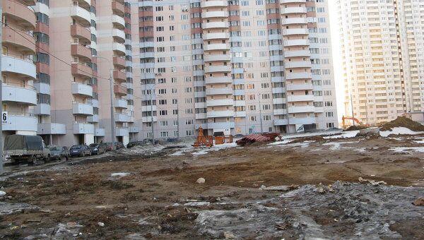 Необустроенные детские площадки в районе Новой Трехгорки. Архив