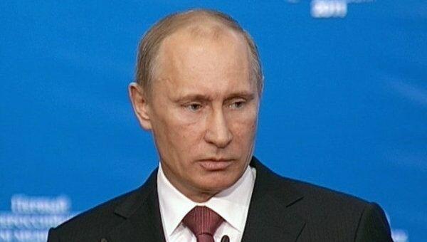 Путин рассказал врачам, на что в правительство жалуются их пациенты
