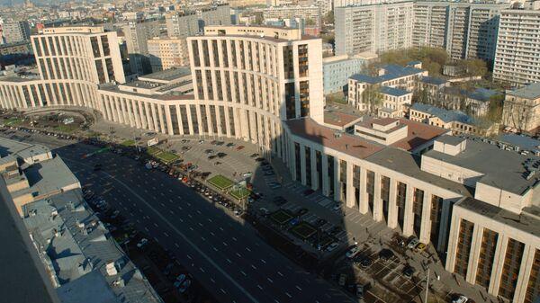 Вид на проспект Академика Сахарова