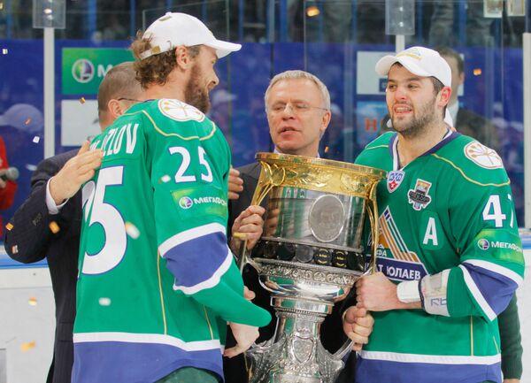 Виктор Козлов, Вячеслав Фетисов, Александр Радулов (слева направо)