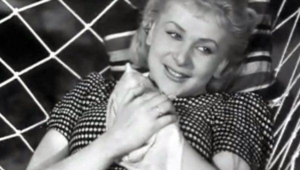 Рокоссовский не ответил взаимностью актрисе Валентине Серовой
