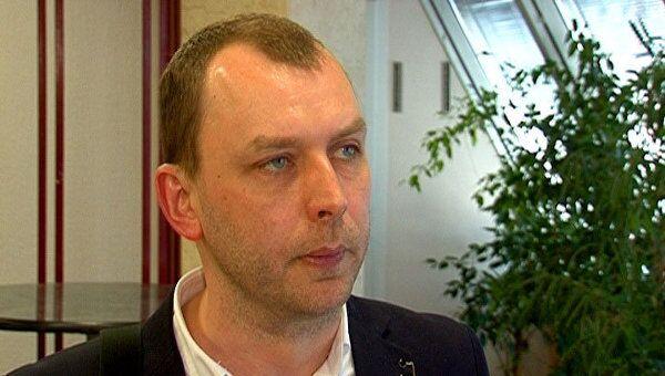 Все СМИ постепенно перемещаются в интернет - главный редактор Газета.ру
