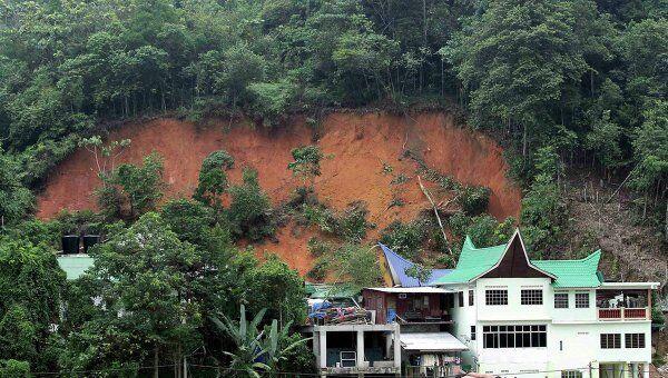 Оползень обрушился на здание сиротского приюта на востоке Малайзии