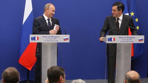 Премьер-министр РФ В.Путин встретился с премьер-министром Франции Ф.Фийоном