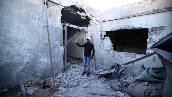 Дом, разрушенный в результате авиаударов НАТО.  Архив