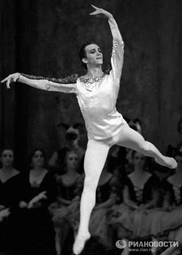 Лиепа в балете Лебединое озеро