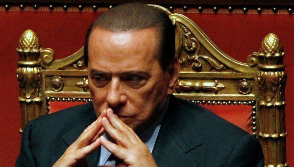 Сильвио, собственно, правит Италией как одной большой бизнес-структурой. До поры до времени это помогает и даже полезно. Но возраст и безнаказанность начали играть с Берлускони злые шутки.