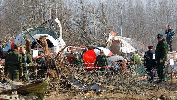 На месте авиакатастрофы под Смоленском на третий день после трагедии