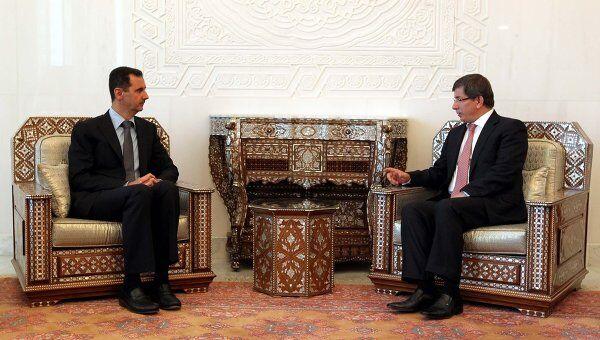 Встреча министра иностранных дел Турции Ахмет Давутоглу с президентом Сирии Башаром Асадом в Дамаске