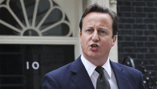 Премьер-министр Великобритании Дэвид Кэмерон после заседания чрезвычайного комитета COBRA