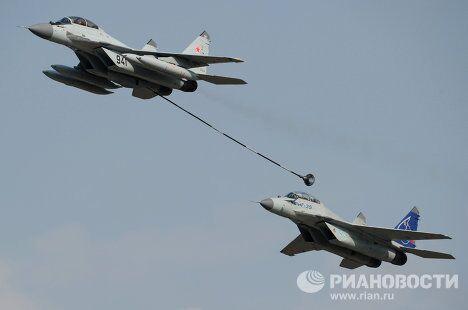 Российские многоцелевые истребители МиГ-29 и МиГ-35