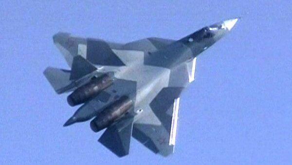 Полет секретного истребителя пятого поколения Т-50 на МАКС-2011