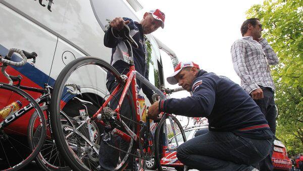 Подготовка велосипедов российской команды Катюша