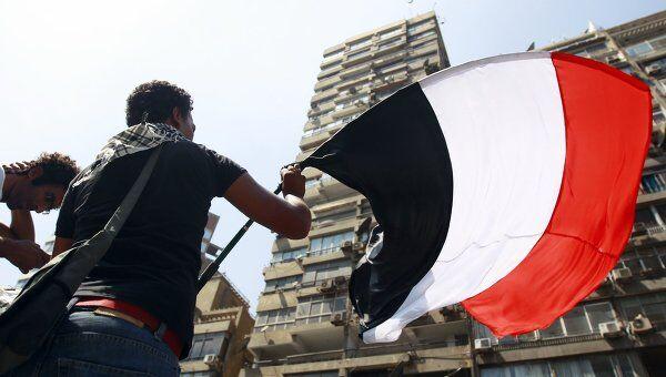 Демонстранты у посольства Израиля в Каире