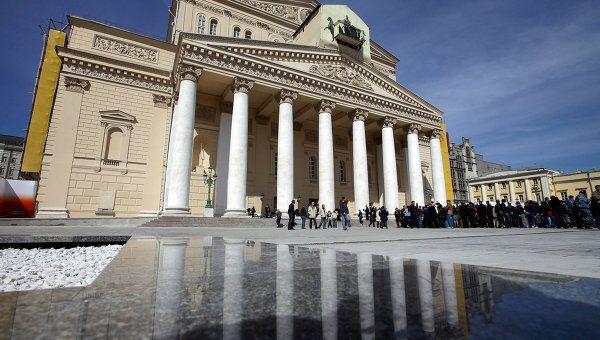 Церемония открытия главного фасада здания Большого театра России. Архив