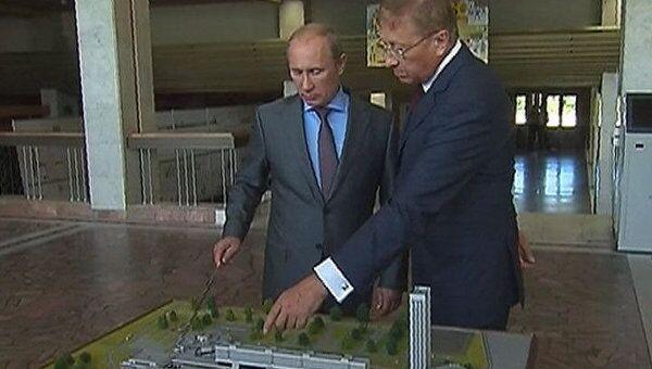 Путин признался ученым, что относится к умным домам с интересом и опаской