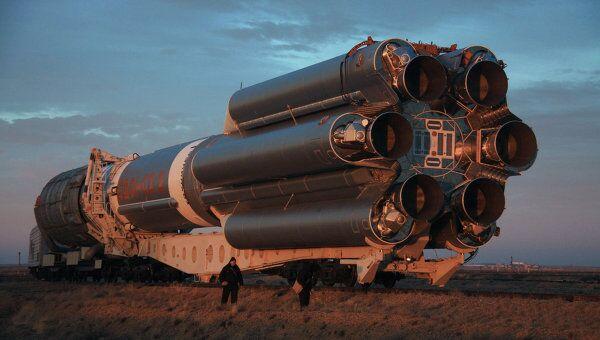 Ракета-носитель Протон-М с разгонным блоком Бриз-М. Архив
