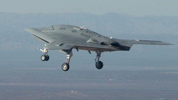 Американский ударный беспилотный самолет X-47B