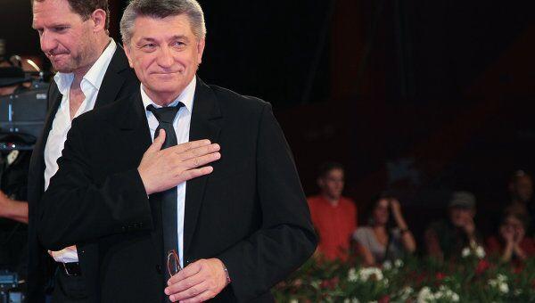 Александр Сокуров и австрийский актер Йоханес Цайлер перед показом фильма Фауст