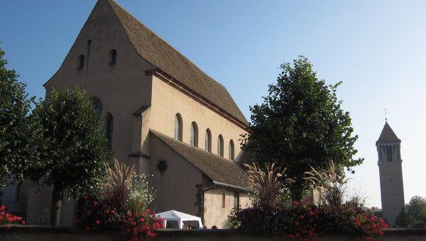 Католический храм святого Трофима в Эшо, в котором хранятся мощи святой мученицы Софии