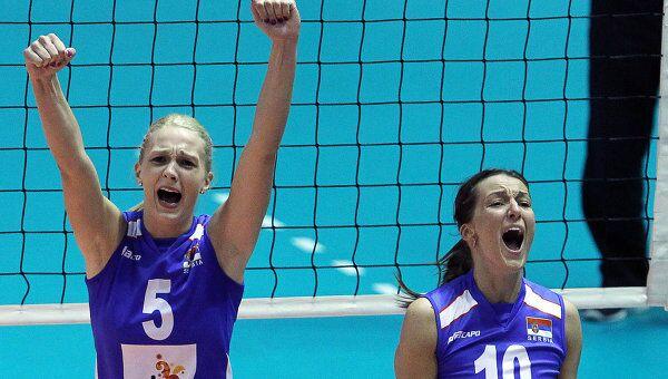 Наташа Крсманович и Майя Огненович (слева направо)