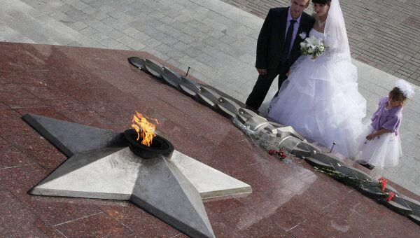 Во Владивостоке вновь зажегся Вечный огонь