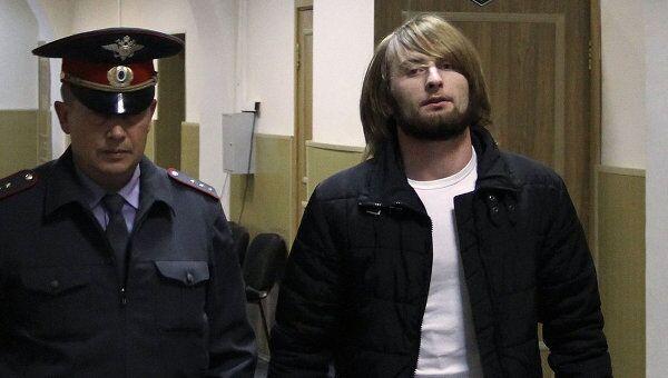 Обвиняемые в убийстве москвича Юрия Волкова Бекхан Ибрагимов и Ахмедпаши Айдаев в Басманном суде города Москвы