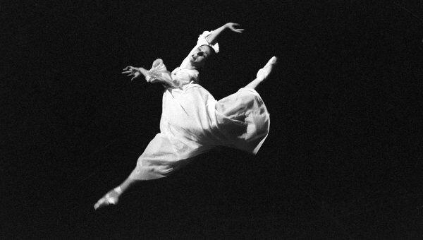 Нина Сорокина в сцене из балета Щелкунчик
