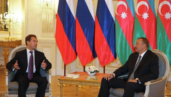Беседа президента РФ Дмитрия Медведева и президента Азербайджана Ильхама Алиева