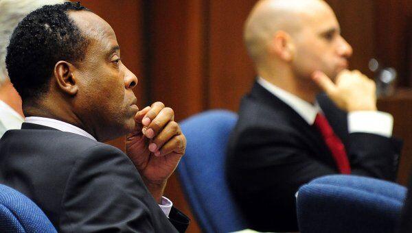 Бывший врач Майкла Джексона Конрад Мюррей в суде