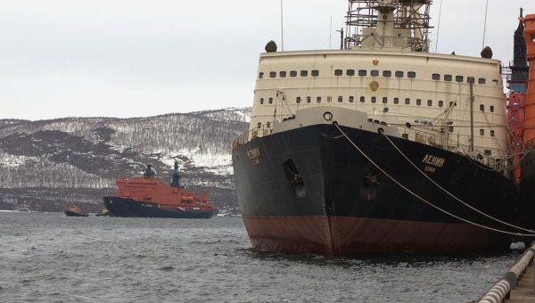 Самый большой в мире атомный ледокол 50 лет Победы. Архив
